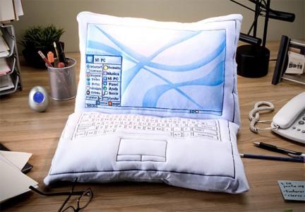 laptop-pillow-1