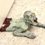Tope de puerta Zombie